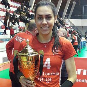 Larissa Feuerharmel de Oliveira